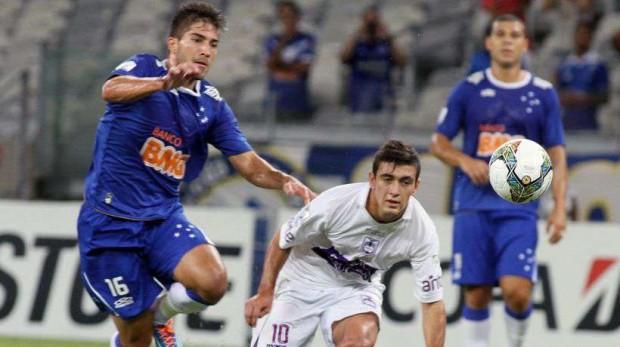 El Real Madrid encuentra un nuevo rival por Lucas Silva