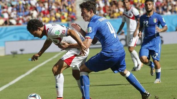 El Manchester United maneja una alternativa a Dani Alves