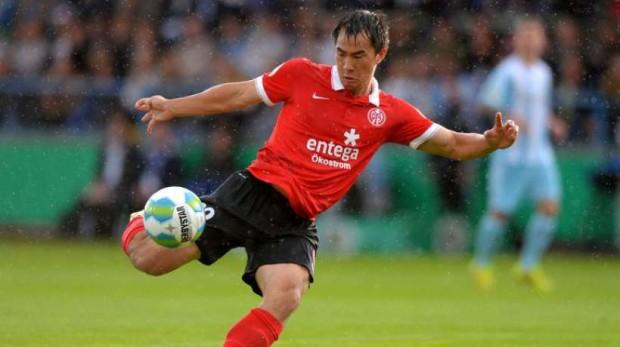 Arsenal y Liverpool pelean por una estrella japonesa