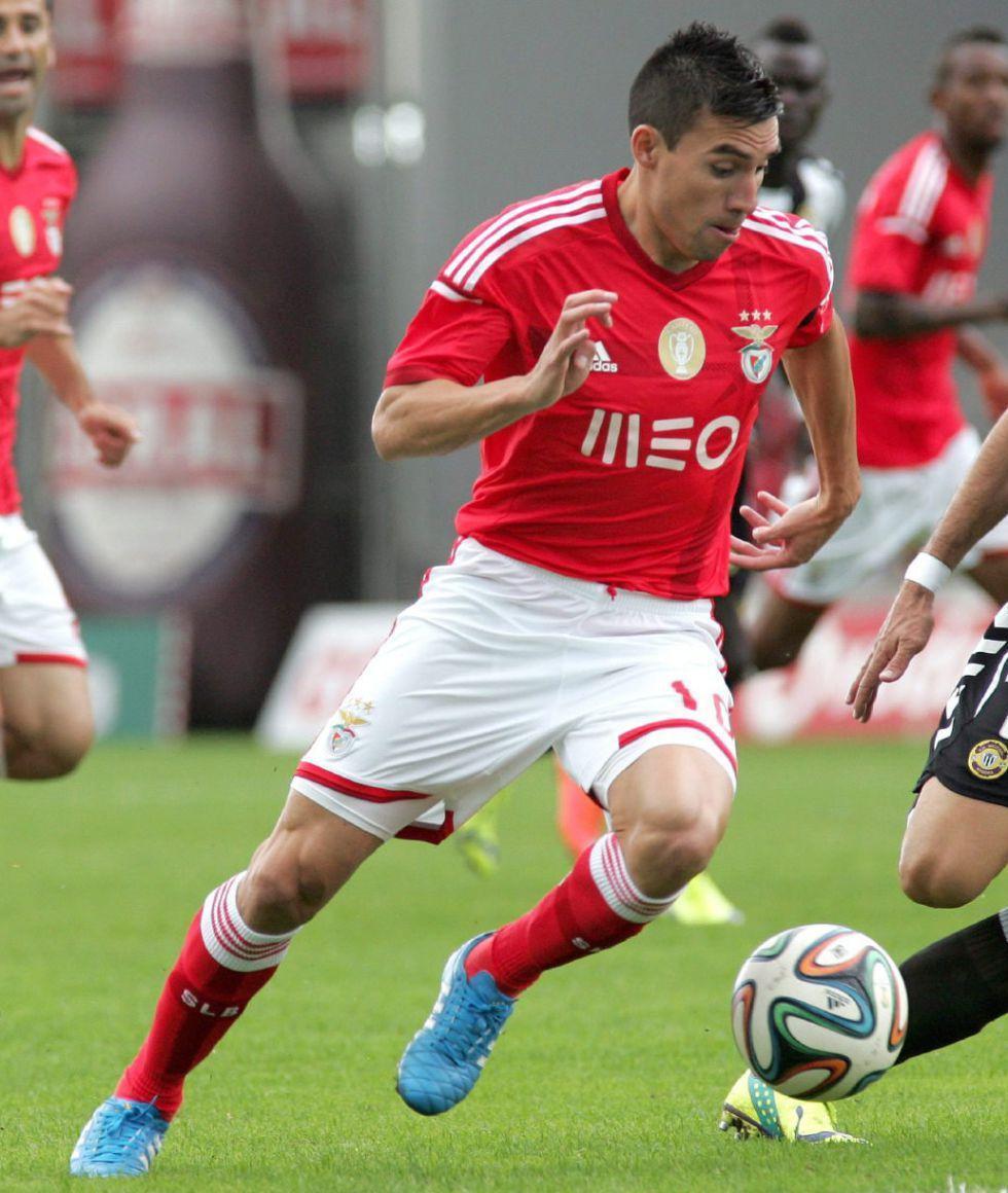 Gaitán, objetivo del Atlético, renueva pero baja su cláusula   Internacional   AS.com